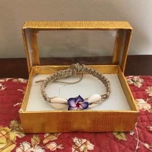 Hibiscus friendship bracelet